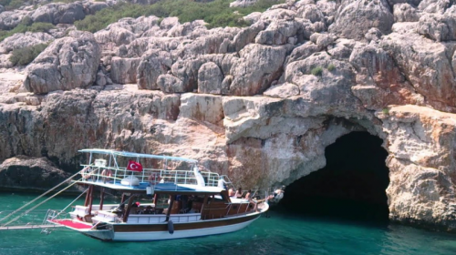 Pirates cave Kemer